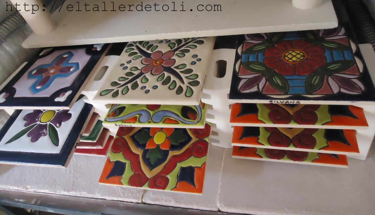 Mayolicas artesanales el taller de toli for Azulejos artesanales