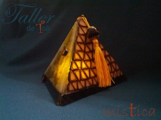 piramide-arte-art-artesania-clay-craft-vitrofusion