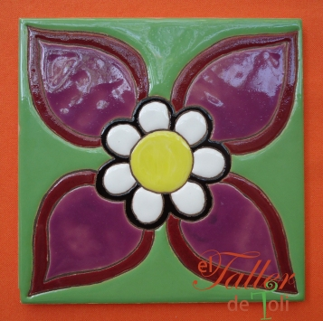 Flor y Petalos. En cuerda seca