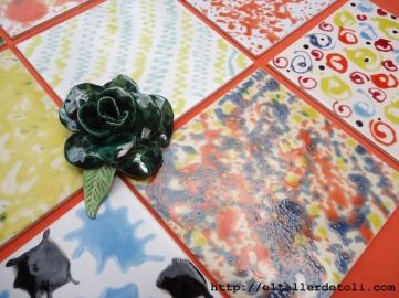 decoracion con flores de ceramica hechas a mano